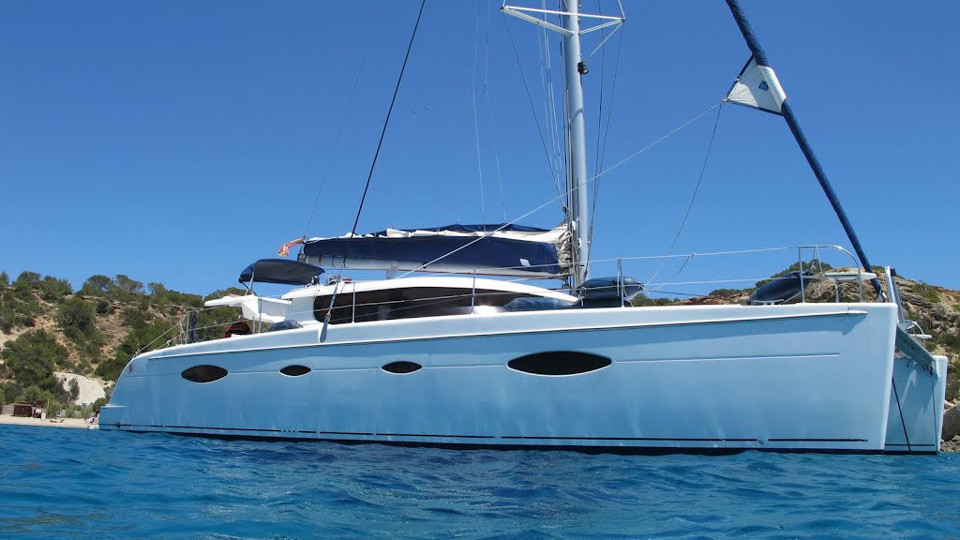 Boat Rental Phuket: Fountaine Pajot 48