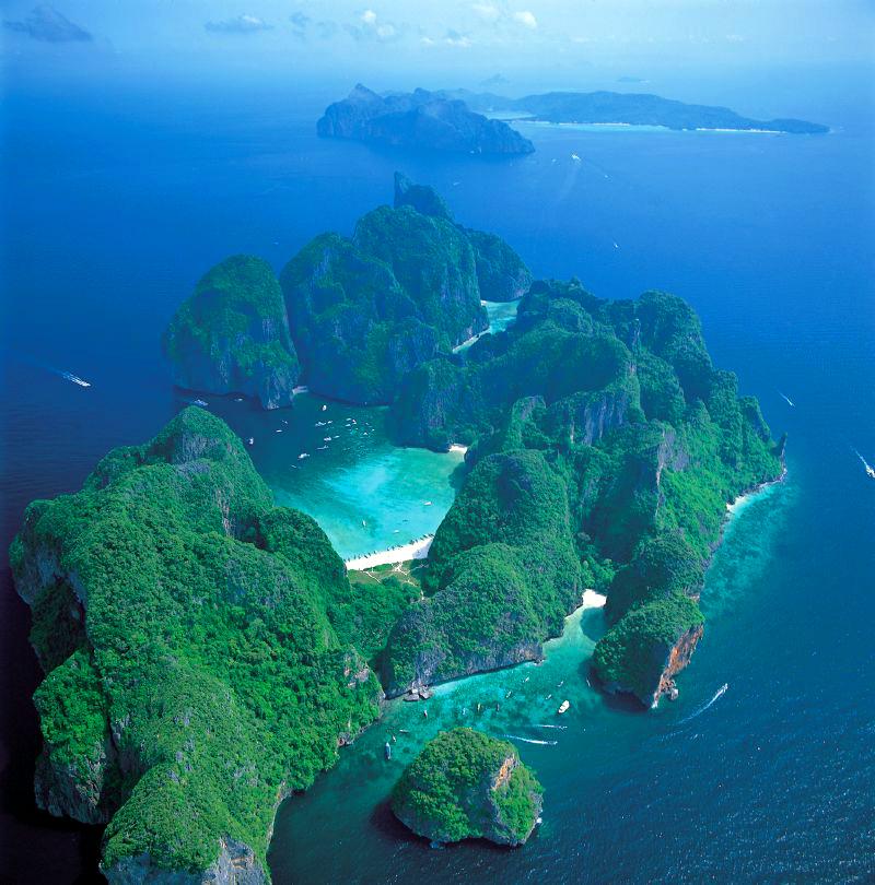 Phi Phi Resort: Phi Phi Islands Private Yacht Charter