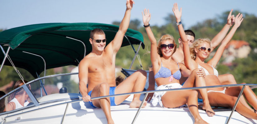 7 reasons to charter a private yacht in Phuket