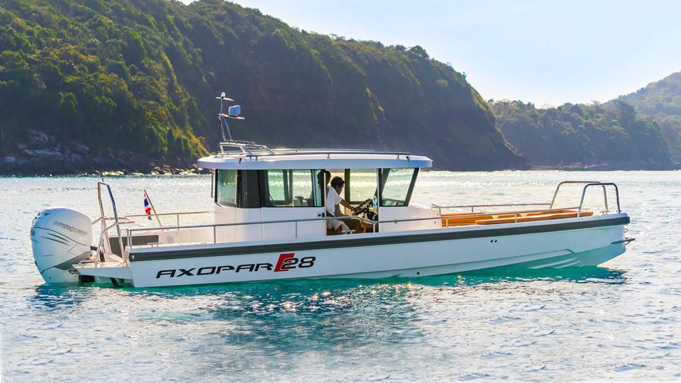 Speed Boat Charter Phuket: Axopar 28