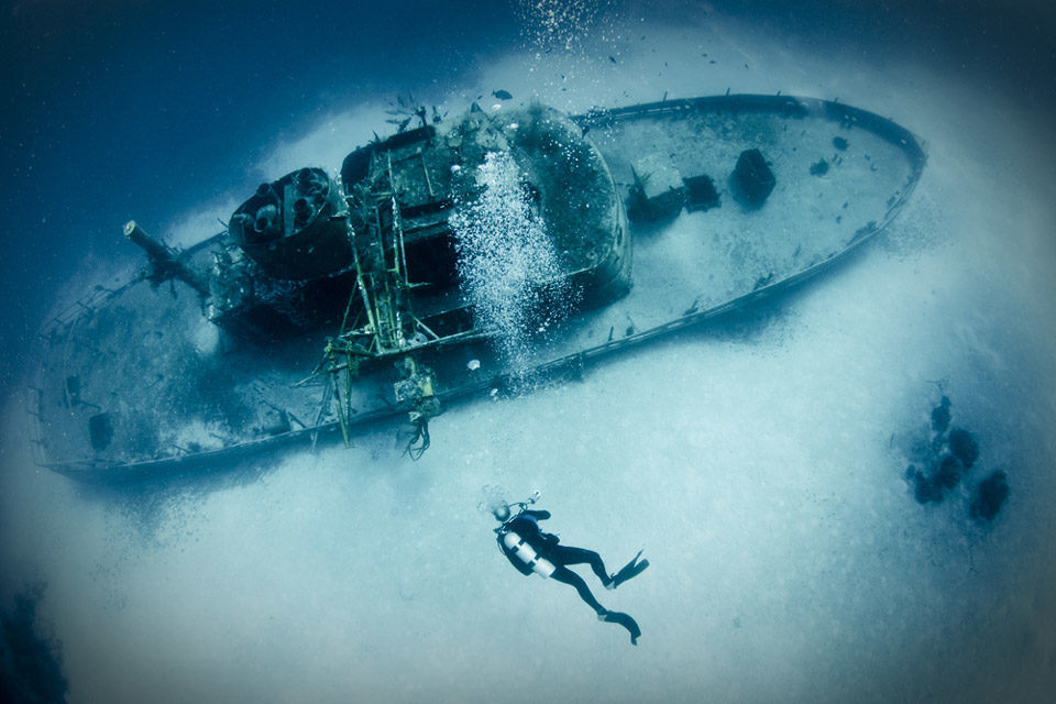 Types of diving: wreck diving
